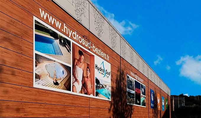 Panneau publicitaire extérieur façade boutique